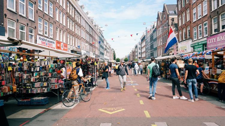 Amsterdam Market Photo by Matheus Frade